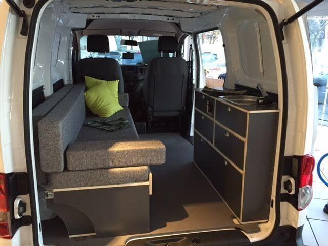 verkauft nissan nv200 camper black wh gebraucht 2015. Black Bedroom Furniture Sets. Home Design Ideas