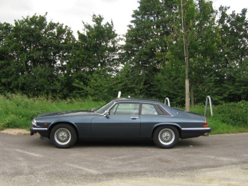 xjs gebrauchte jaguar xjs kaufen 113 g nstige autos. Black Bedroom Furniture Sets. Home Design Ideas