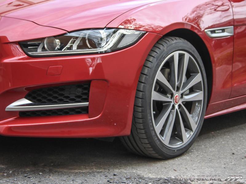 verkauft jaguar xe 25t r sport upe55 8 gebraucht 2016 49 km in dinslaken. Black Bedroom Furniture Sets. Home Design Ideas
