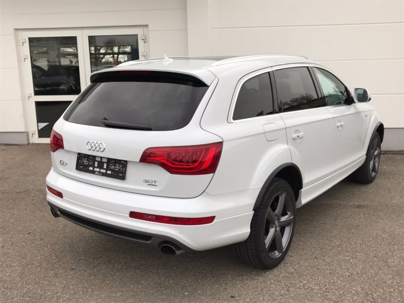 gebraucht 3 0 tfsi quattro s line tiptronic xenon navi audi q7 2014 km in hannover. Black Bedroom Furniture Sets. Home Design Ideas