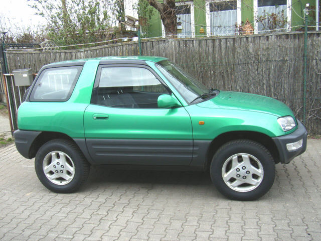 verkauft toyota rav4 gebraucht 1999 km in plattling. Black Bedroom Furniture Sets. Home Design Ideas