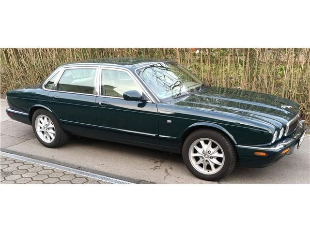 xj gebrauchte jaguar xj kaufen 284 g nstige autos zum verkauf. Black Bedroom Furniture Sets. Home Design Ideas