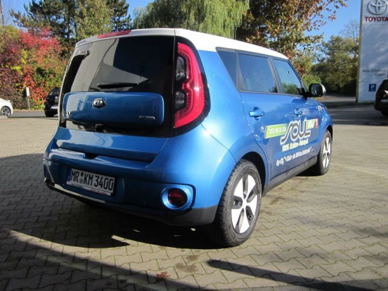 verkauft kia soul ev ev psev ib kari gebraucht 2015 km in marburg. Black Bedroom Furniture Sets. Home Design Ideas