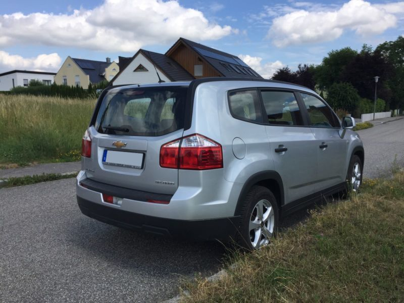 verkauft chevrolet orlando 1 8 ls top gebraucht 2011 km in geisenhausen. Black Bedroom Furniture Sets. Home Design Ideas