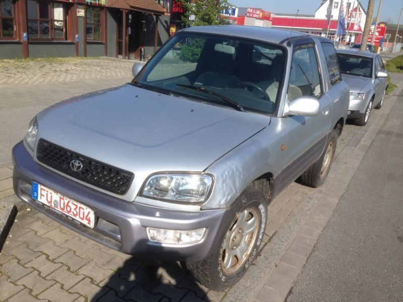verkauft toyota rav4 cool wave gebraucht 1999 km in n rnberg. Black Bedroom Furniture Sets. Home Design Ideas