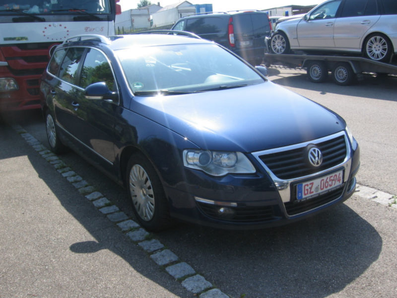 gebraucht variant trendline vw passat 2010 km in essen. Black Bedroom Furniture Sets. Home Design Ideas