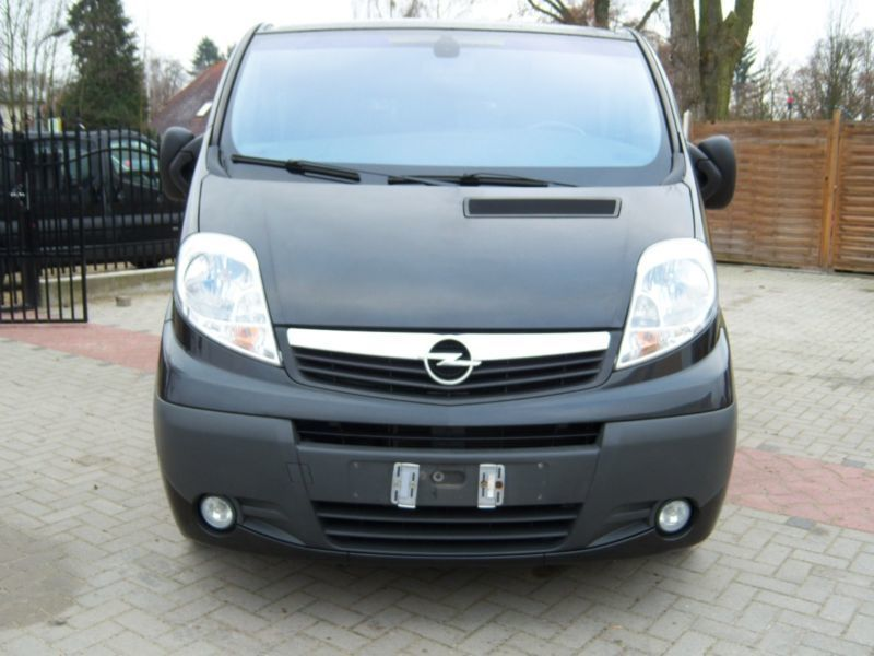 gebraucht 2 0 cdti klima 9 sitzer top opel vivaro 2009 km in altenburg. Black Bedroom Furniture Sets. Home Design Ideas