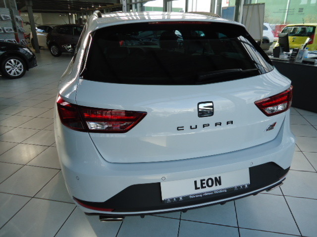verkauft seat leon st st cupra 280 2 0 gebraucht 2015 10 km in berlin. Black Bedroom Furniture Sets. Home Design Ideas