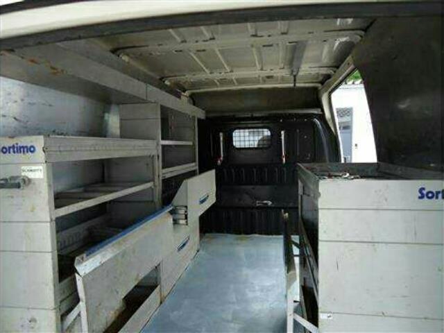 verkauft ford transit kleinbus lkw tra gebraucht 2001. Black Bedroom Furniture Sets. Home Design Ideas
