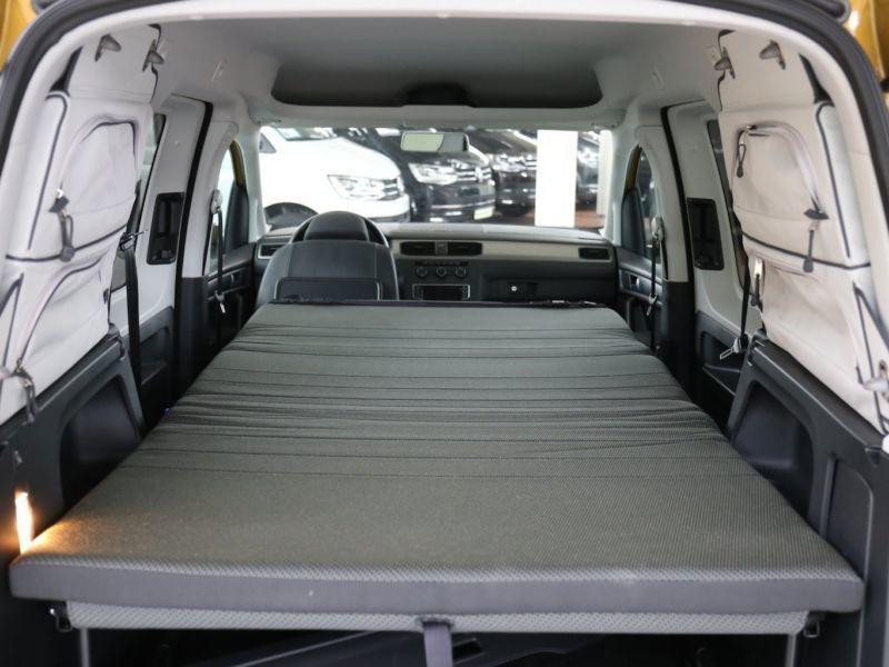 verkauft vw caddy beach camper navi cl gebraucht 2017 km in hermsdorf hohe b. Black Bedroom Furniture Sets. Home Design Ideas