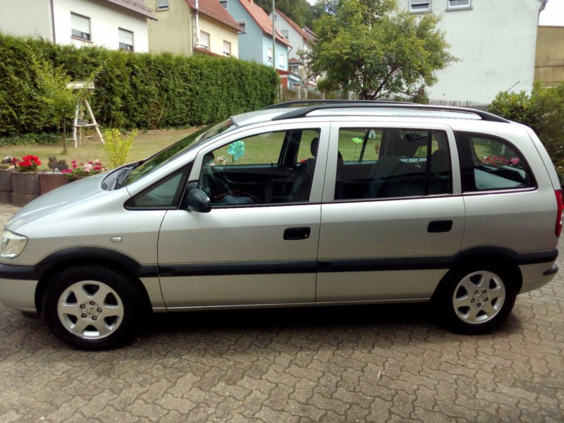verkauft opel zafira 1 6 gebraucht 2004 km in. Black Bedroom Furniture Sets. Home Design Ideas