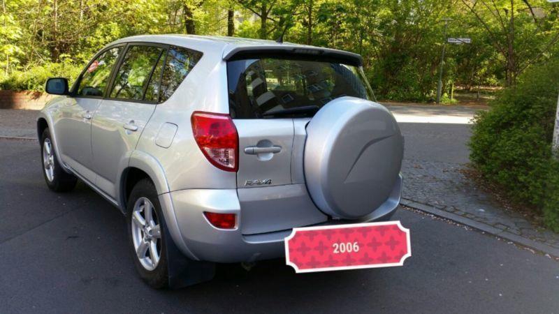 verkauft toyota rav4 2 2 d 4d 4x4 gebraucht 2006 km in berlin. Black Bedroom Furniture Sets. Home Design Ideas