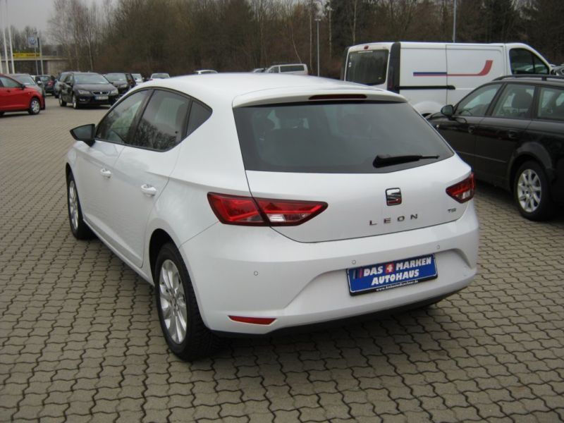 verkauft seat leon 1 4 tsi start stop gebraucht 2014 km in bochum. Black Bedroom Furniture Sets. Home Design Ideas