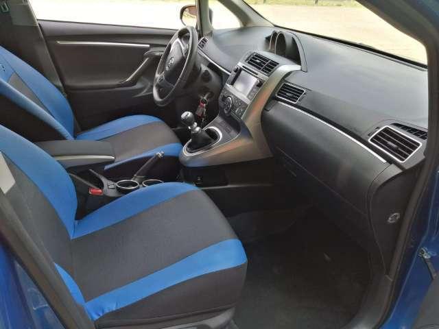 gebraucht 2014 toyota corolla verso 1 6 diesel 111 ps 93055 regensburg autouncle. Black Bedroom Furniture Sets. Home Design Ideas