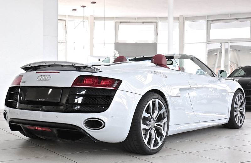 verkauft audi r8 spyder 5 2 fsi quattr gebraucht 2010 km in garbsen. Black Bedroom Furniture Sets. Home Design Ideas