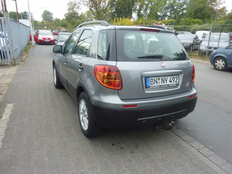 verkauft fiat sedici 1 6 16v 4x2 dynam gebraucht 2009 km in bonn. Black Bedroom Furniture Sets. Home Design Ideas