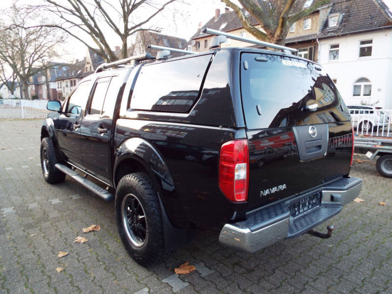verkauft nissan navara mit hardtop gebraucht 2006 174. Black Bedroom Furniture Sets. Home Design Ideas