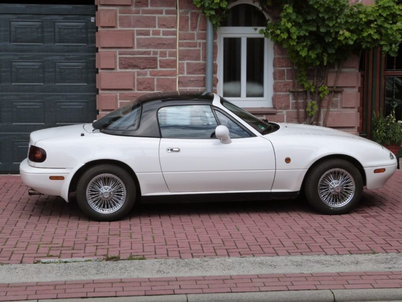 verkauft mazda mx5 16v gebraucht 1994 km in essen. Black Bedroom Furniture Sets. Home Design Ideas