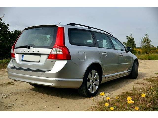 verkauft volvo v70 d5 dpf summum gebraucht 2007. Black Bedroom Furniture Sets. Home Design Ideas
