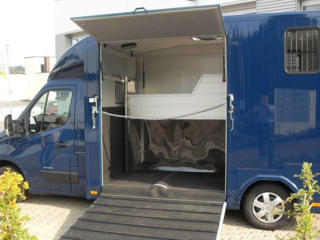 verkauft renault master pferdetranspor gebraucht 2014 km in iserlohn. Black Bedroom Furniture Sets. Home Design Ideas