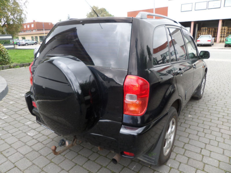 verkauft toyota rav4 4x4 gebraucht 2003 km in harrislee flensburg. Black Bedroom Furniture Sets. Home Design Ideas