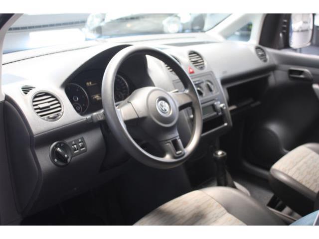 verkauft vw caddy 1 6 tdi 5 si gebraucht 2011 km in endingen am kaise. Black Bedroom Furniture Sets. Home Design Ideas