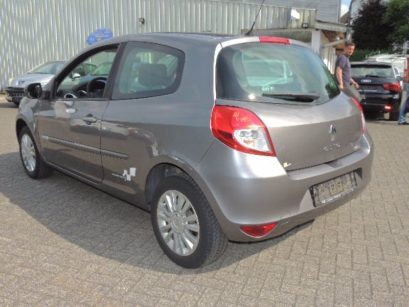 verkauft renault clio iii dynamique gebraucht 2009 km in halver. Black Bedroom Furniture Sets. Home Design Ideas