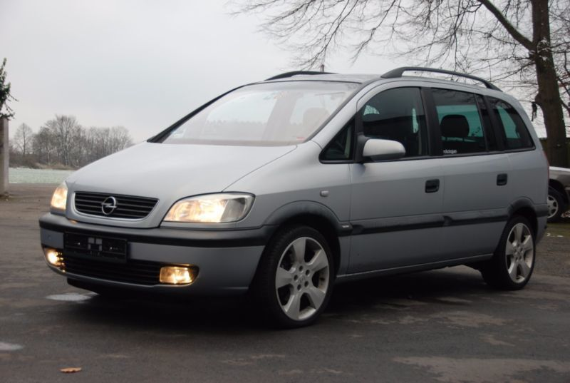 verkauft opel zafira a edition 2000 g gebraucht 2000 km in stuttgart. Black Bedroom Furniture Sets. Home Design Ideas