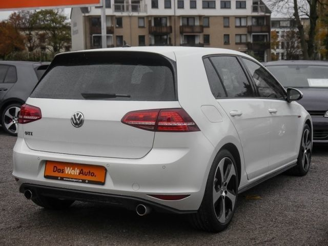 verkauft vw golf vii golf vii gti navi gebraucht 2015 9. Black Bedroom Furniture Sets. Home Design Ideas