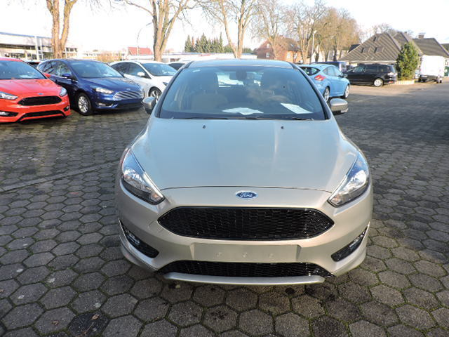 verkauft ford focus st line 5 tuerer gebraucht 2017 10 km in werne. Black Bedroom Furniture Sets. Home Design Ideas