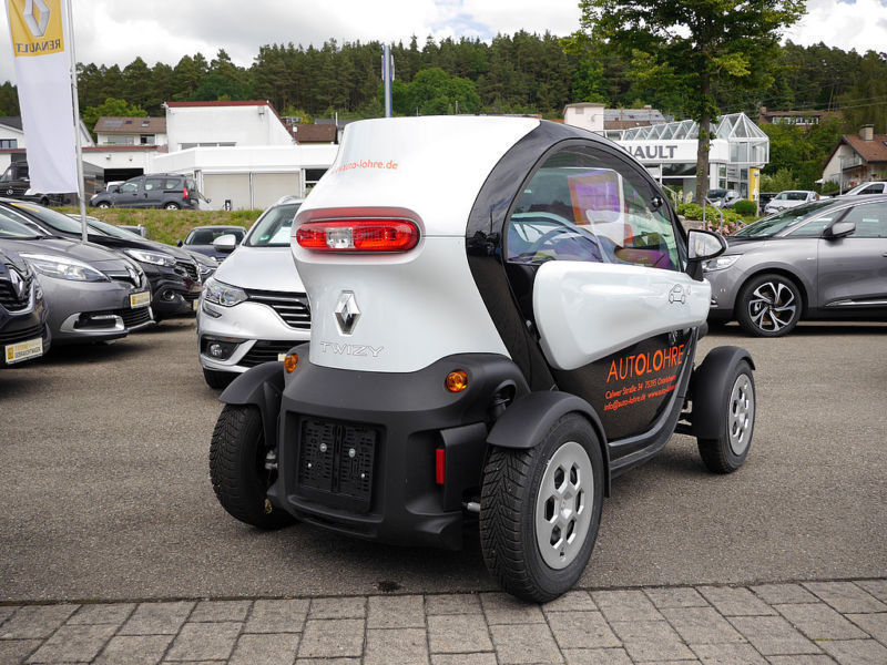 verkauft renault twizy color intens gebraucht 2015 km in ostelsheim. Black Bedroom Furniture Sets. Home Design Ideas