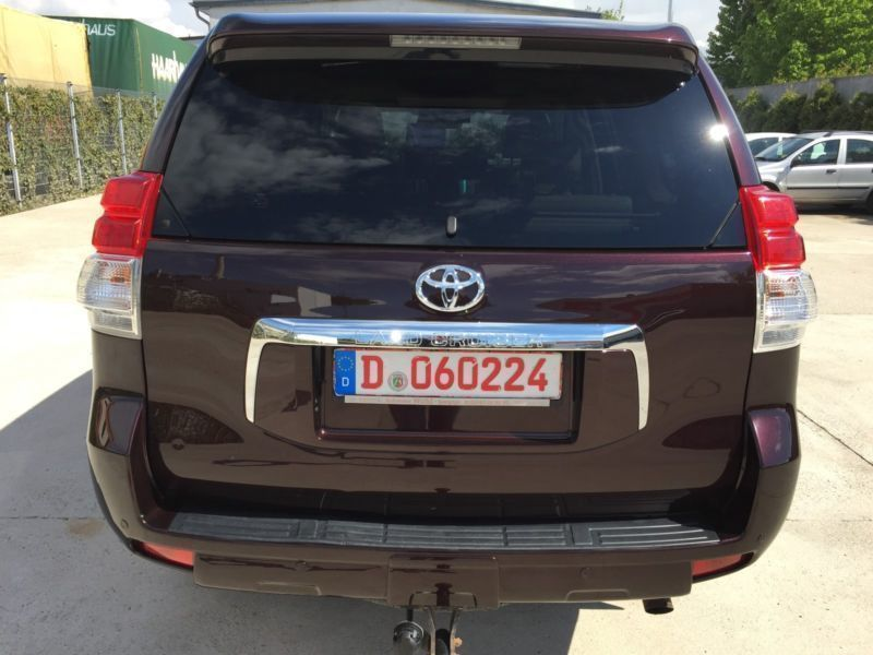 verkauft toyota land cruiser 3 0 d 4d gebraucht 2011 km in d sseldorf. Black Bedroom Furniture Sets. Home Design Ideas