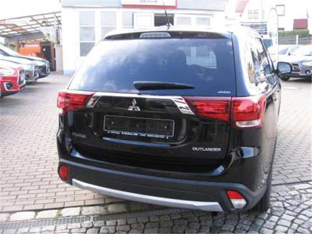 gebraucht suv star 2 0 2wd mitsubishi outlander 2017 km. Black Bedroom Furniture Sets. Home Design Ideas