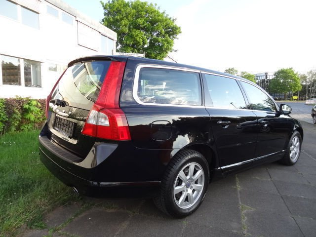 verkauft volvo v70 kombi kinetic awd n gebraucht 2012 km in hannover. Black Bedroom Furniture Sets. Home Design Ideas
