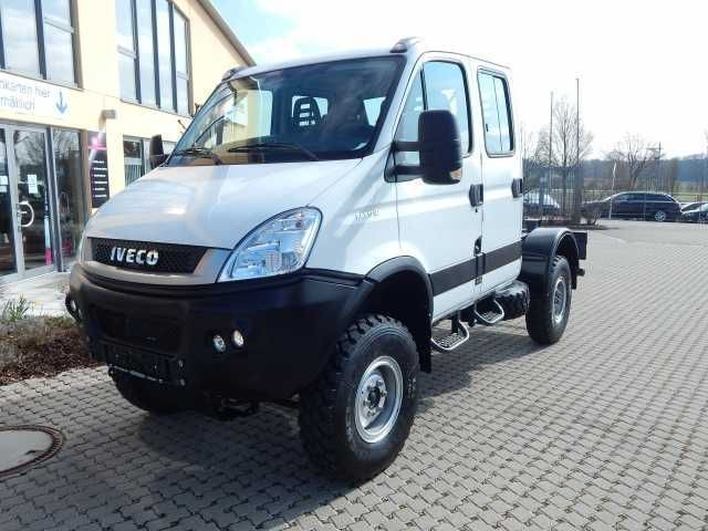 verkauft iveco daily 55s17dw 4x4 doka gebraucht 2015 10 km in p ttmes. Black Bedroom Furniture Sets. Home Design Ideas