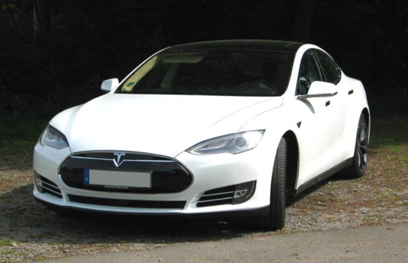 verkauft tesla model s p 85 d gebraucht 2015 km. Black Bedroom Furniture Sets. Home Design Ideas