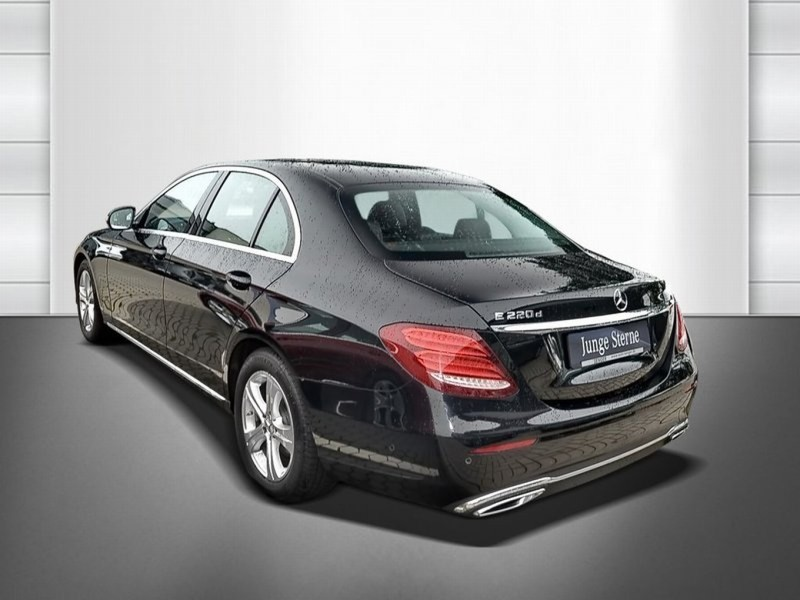 verkauft mercedes e220 limousine gebraucht 2016 km in friesoythe. Black Bedroom Furniture Sets. Home Design Ideas
