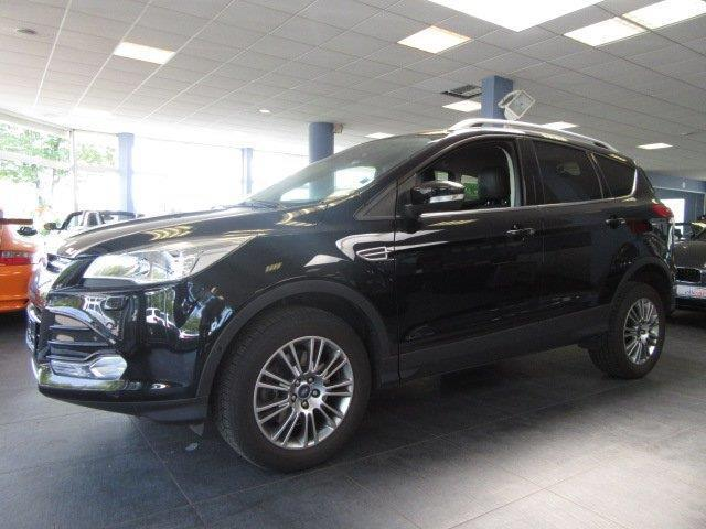 gebraucht tdci 4x4 titanium automatik teilleder pdc ford kuga 2014 km in m nchen. Black Bedroom Furniture Sets. Home Design Ideas