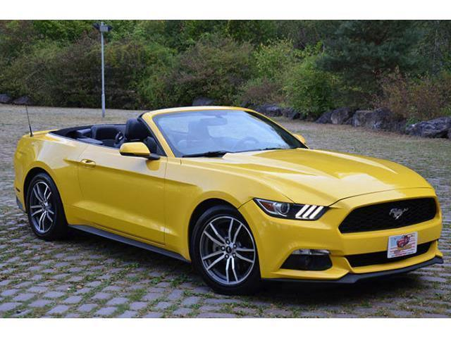 verkauft ford mustang 2015 cabrio 2 3l gebraucht 2015 km in hagen. Black Bedroom Furniture Sets. Home Design Ideas