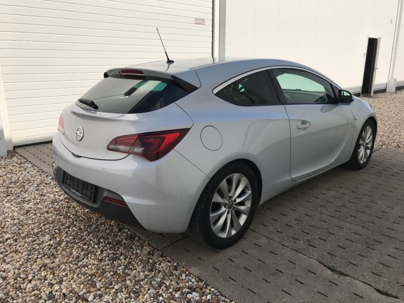 verkauft opel astra gtc gtc 1 6 turbo gebraucht 2012 km in hamburg. Black Bedroom Furniture Sets. Home Design Ideas