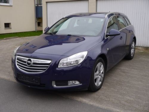 verkauft opel insignia sports tourer 2 gebraucht 2012 km in mitte. Black Bedroom Furniture Sets. Home Design Ideas