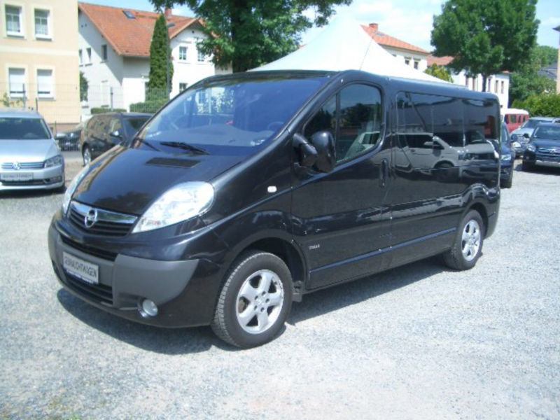 verkauft opel vivaro combi tour 2 5 cd gebraucht 2011. Black Bedroom Furniture Sets. Home Design Ideas