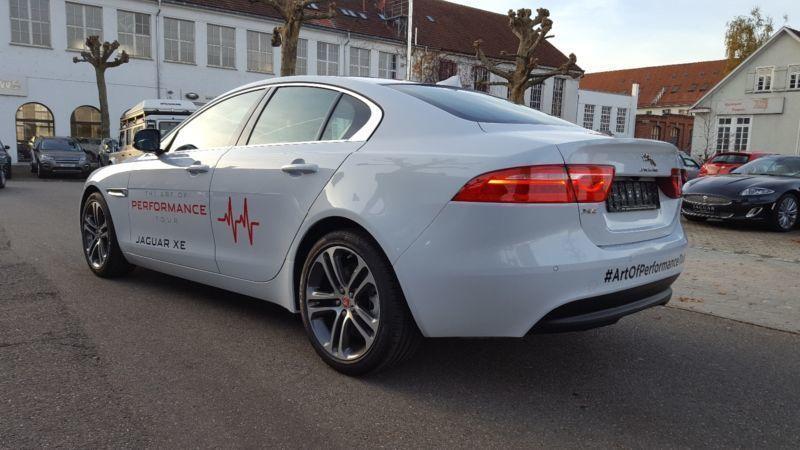verkauft jaguar xe 20t prestige xenon gebraucht 2016 km in ebersbach. Black Bedroom Furniture Sets. Home Design Ideas