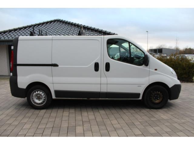 verkauft opel vivaro kastenwagen 2 0 c gebraucht 2010 km in bad lippspringe. Black Bedroom Furniture Sets. Home Design Ideas