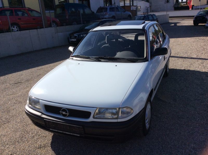verkauft opel astra california automa gebraucht 1994 km in neuwied. Black Bedroom Furniture Sets. Home Design Ideas