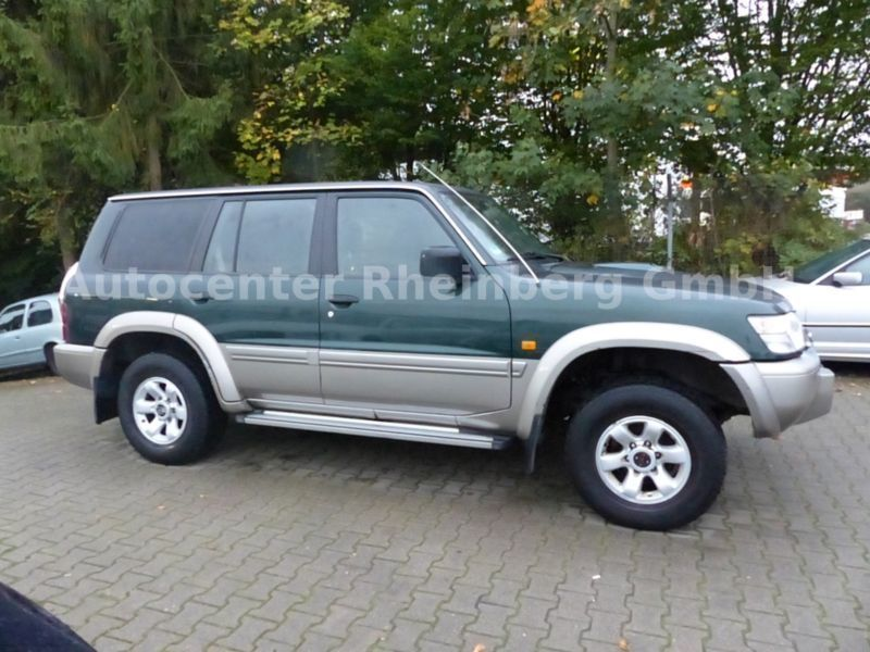 verkauft nissan patrol gr 3 0 di elega gebraucht 2001 km in rheinberg. Black Bedroom Furniture Sets. Home Design Ideas