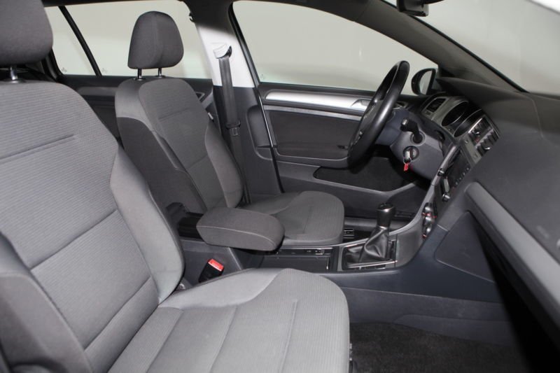 verkauft vw golf variant vii 1 2 tsi b gebraucht 2014. Black Bedroom Furniture Sets. Home Design Ideas