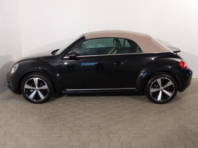 verkauft vw beetle cabriolet design nb gebraucht 2015 km in wiesbaden. Black Bedroom Furniture Sets. Home Design Ideas