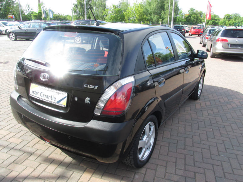 verkauft kia rio 1 6 ex top nr 83 gebraucht 2006 km in magdeburg. Black Bedroom Furniture Sets. Home Design Ideas