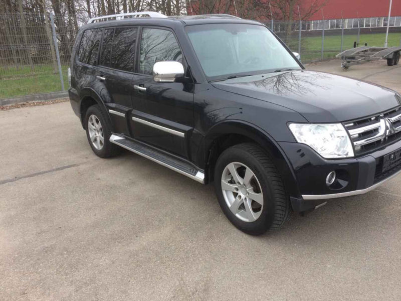 verkauft mitsubishi pajero 3 2 di d in gebraucht 2008 km in w chterbach. Black Bedroom Furniture Sets. Home Design Ideas